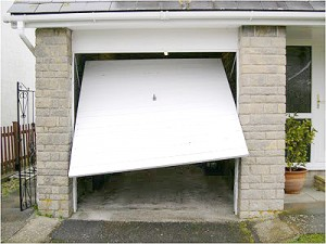 damages garage door